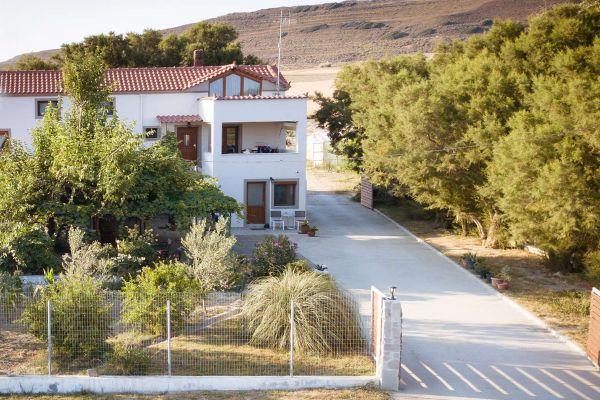 villa-saravari-accommodation-005d3880806B-16A2-8673-1329-AB17C2BA9772.jpg