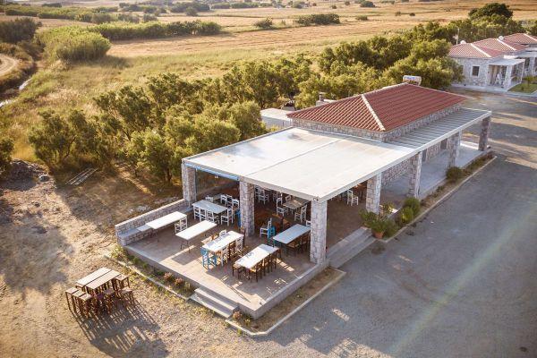 villa-saravari-accommodation-005e3936620A-E4EB-6EB5-C8F9-0A21CEA92808.jpg